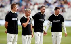Cricket-India in charge after England wilt in Nottingham