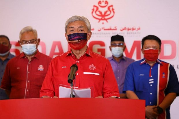 Zahid to Umno Cabinet members: Quit posts if you are loyal to party
