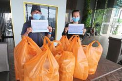 Scuba diving instructor provides meals to frontliners, needy