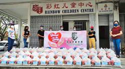 Helped by sponsors, NGO distributes over 3,000 sets of food aid in six localities