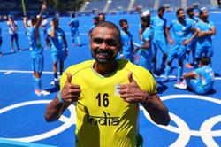 Olympics-Hockey-India win bronze after dramatic victory over Germany
