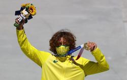 Olympics-Skateboarding-Australia's Palmer wins gold for men's park