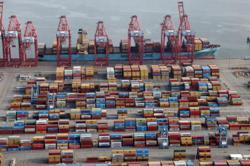 US trade deficit jumps to record high in June on strong import growth
