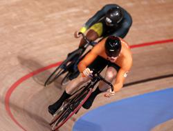 Olympics-Cycling-Dutch duo set up sprint showdown for gold