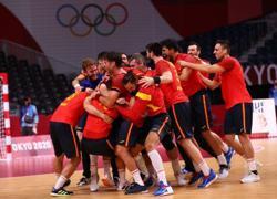 Olympics-Handball-Spain claim bronze with narrow win over Egypt