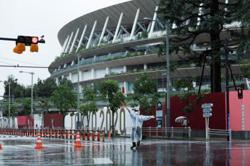 Typhoon Lupit makes landfall on western Japan