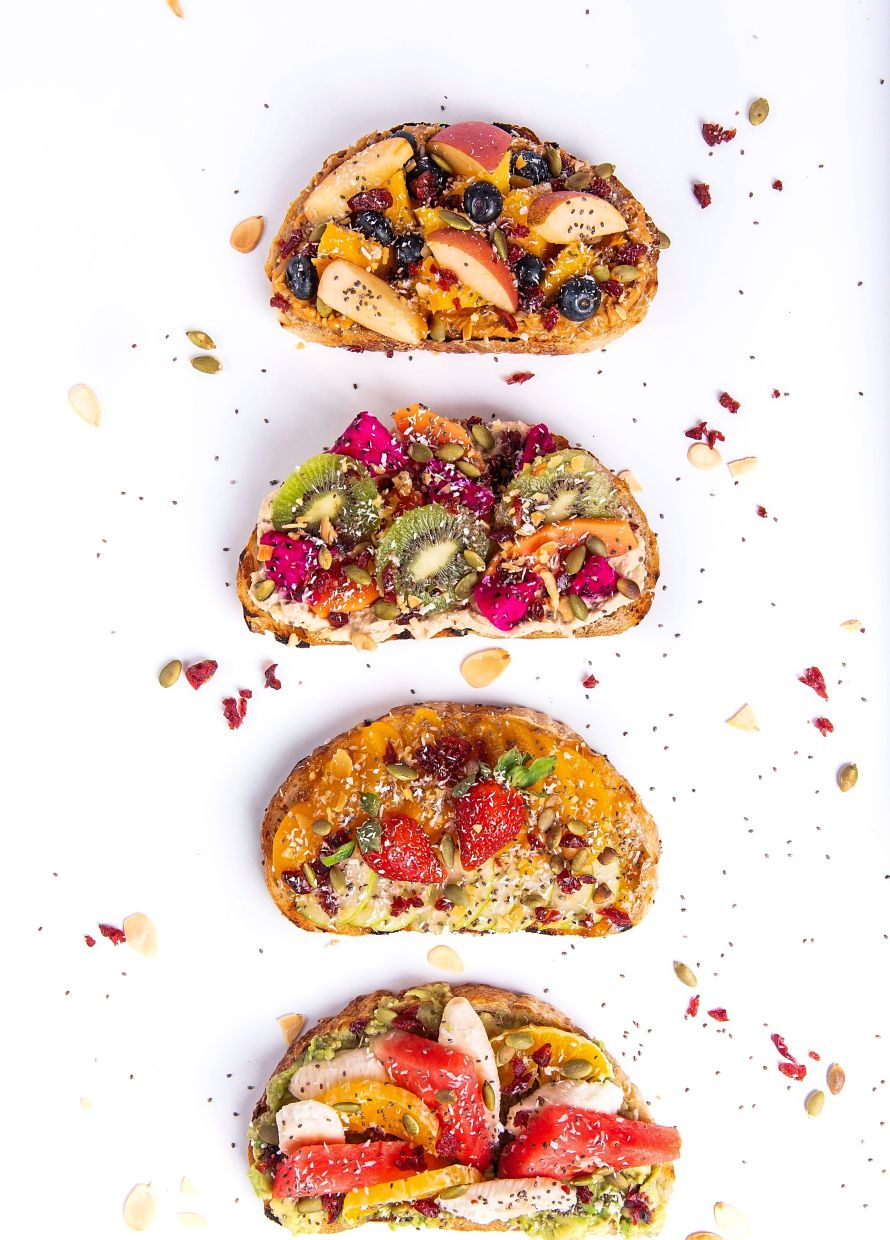 The fruit toasts look incredibly pretty, but more importantly, they taste yummy too.