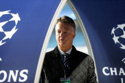 Van Gaal springs surprises with Dutch squad for World Cup qualifiers