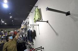 Fashion retailers turn to online sales