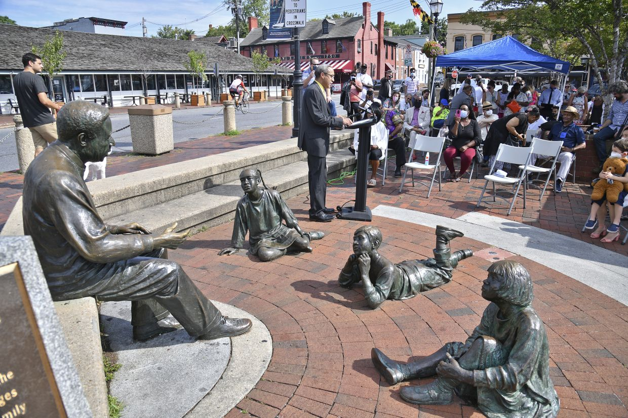 Alex Haley's nephew Chris Haley speaks next to a memorial honouring Alex Haley in Annapolis, Maryland. Photo: AP