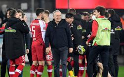 Freiburg pull off gritty 2-1 win over Dortmund as Wolfsburg go top