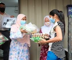 140 needy families receive food baskets from MBSJ
