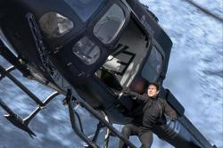 Tom Cruise makes emergency helicopter landing in British family's backyard