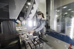 Singapore factory output growth slows to 16.3% in July, with dip in chip production