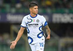 Soccer-Correa makes instant impact to earn Inter win at Verona