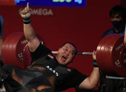 Powerlifter Yee Khie powers his way to silver in Tokyo Paralympics