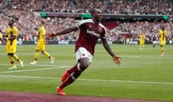 Soccer-West Ham's Antonio gets first Jamaica call-up