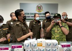 Rela Honorary Club donated RM9,000 worth of PPE to help flood relief work