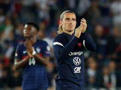 Soccer-Ten-man France held to disappointing draw by Bosnia