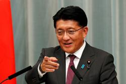 Japanese PM's rival Kishida urges coronavirus stimulus package