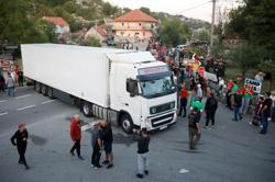 Protesters block roads to stop enthronement of Montenegro's top cleric