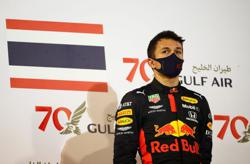 Motor racing-Red Bull must free Albon to land Williams drive, says Wolff