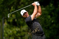 Golf-Koepka withdraws from Tour Championship with wrist injury