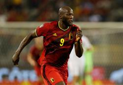 Soccer-Centurion Lukaku sets Belgium on their way to convincing win over Czechs