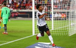 Soccer-Germans find goal-scoring touch in 6-0 thrashing of Armenia