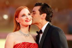 Red carpet clip of Oscar Isaac sniffing Jessica Chastain's armpit goes viral