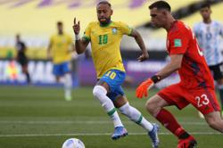 Soccer-FIFA chief says Brazil game abandonment was 'crazy'
