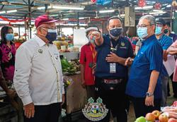 Pasir Pinji wet market's leaking roof to be replaced