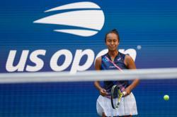 Tennis-Fearless Fernandez holds nerve to reach U.S. Open semi-finals
