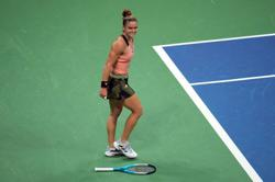 Tennis-Solid Sakkari reaches US Open semi-finals