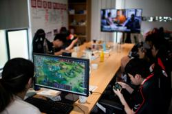 China tells Tencent, Netease of need for tighter games oversight