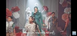 This artist's paper flowers made it into Datuk Seri Siti Nurhaliza's music video