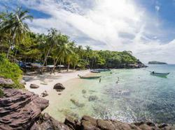 Vietnam to reopen resort island to foreign tourists to boost economy