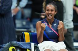 Tennis-Fearless teenagers Fernandez, Raducanu a win away from glory