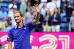 Tennis-Medvedev powers his way through to U.S. Open final