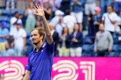 Tennis-'Experienced' Medvedev the last hurdle in Djokovic's pursuit of history