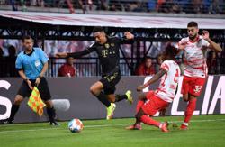 Soccer-Musiala magnificent as Bayern Munich beat Leipzig 4-1