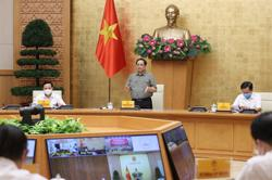 Vietnam Prime Minister warns against hastiness in reopening after lockdown