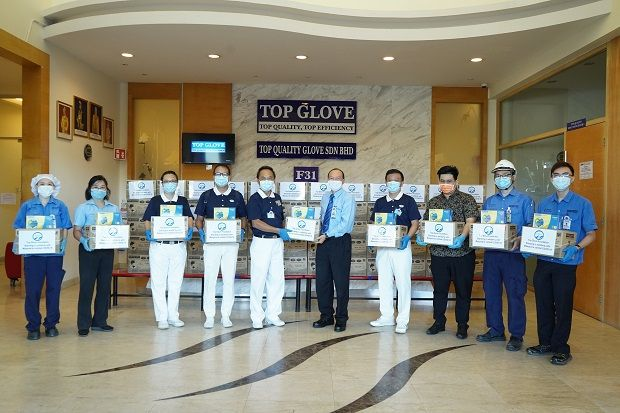 Working with organisations such as Tzu Chi Foundation enables Top Glove to double its social impact, such as its donation of personal protective equipment (PPE) for the Royal Malaysia Police and the Ministry of Defence Malaysia.