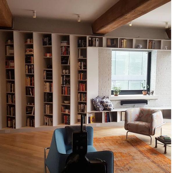 At Publishers Loft in the United States, Buro Koray Duman designed a bookcase capable of holding thousands of books. Photo: burokorayduman/Instagram