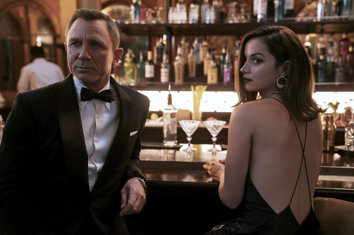 Get ready to see Daniel Craig (left) and Ana De Armas in action in the James Bond movie 'No Time To Die', on Sept 30. Photo: MGM