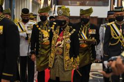 King arrives in Parliament to open first sitting of fourth session of 14th Parliament