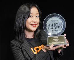 Surias DJ Lin wins Malaysias Most Trusted Radio Presenter award