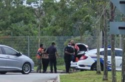 Alert neighbour helps foil break-in attempt, suspects nabbed