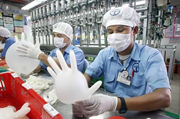 Top Glove manufacturing