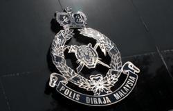 Cops bust drug lab, seven men nabbed